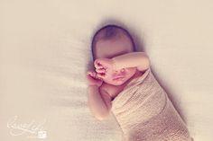 Photographe nouveau-nés ,bébés Paris et Ile de France #newborn #newbornphotography #photographebébé #naissance #nouveau-né