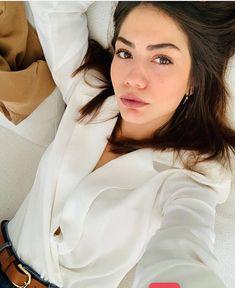 Turkish Fashion, Turkish Beauty, Revere Collar, Romantic Moments, She Was Beautiful, Turkish Actors, Pure Beauty, Celebs, Celebrities