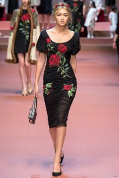 Gigi Hadid: Dolce and Gabbana Fashion Show 2015 -02 – GotCeleb