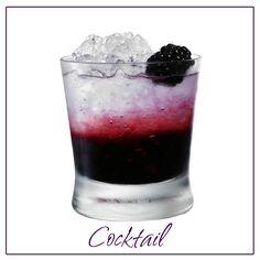 Para despedirnos, un cocktail muy fácil y a disfrutar el fin de semanas. Moras, hielo, limonada y vodka blanco. Buen fin de semanas. #findesemana #cocktail #moras #blackberry #limonada