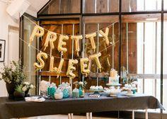 candy bar Sweet Tables, Diy Workshop, Pretty Cool, Wedding Planning, Ceiling Lights, Candy, Bar, Cool Stuff, Creative