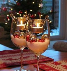 Tea light candles in a glass: glass as Christmas candle holder. Top 21 Most Fascinating DIY Christmas Decorations That You Can Do For Less Than Hour Noel Christmas, Christmas Projects, Winter Christmas, Christmas Ornaments, Christmas Candles, Simple Christmas, Winter Fun, Magical Christmas, Christmas Center Piece Ideas