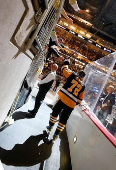April 13, 2016 vs. New York Rangers (Round 1, Game 1): Patric Hornqvist recorded the 15th hat trick in Penguins postseason history en route to a Game 1 win for Pittsburgh. Final score, 5-2 Penguins.