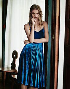Levana Velvet Midi Dress