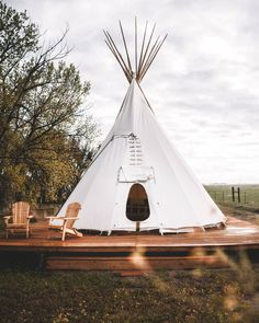 Creekside Glamping Teepee on Colorado Horse Ranch – Tipis for Rent in Hudson, Colorado, United States Teepee Camping, Bell Tent Camping, Glamping Tents, Diy Teepee Tent, Colorado Springs, Wild Animal Sanctuary, Deco Boheme Chic, Outdoor Movie Nights, Canvas Tent