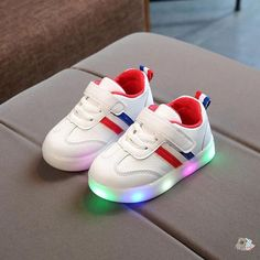 Baby LED Light Up Sneakers – Sleepy Cubs