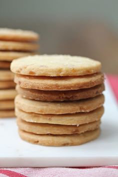 Crystallized Ginger Shortbread Cookies