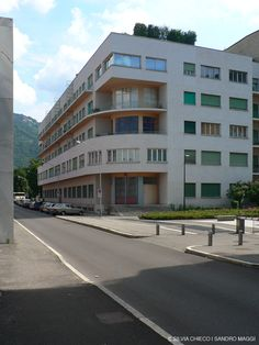 Como ITA - Giuseppe Terragni - Novocomum 1927-1928 - Photo: Silvia Chieco   Sandro Maggi © International Style, Northern Italy, Sandro, Bauhaus, Fresco, Modern Architecture, Multi Story Building, Environment, Art Deco