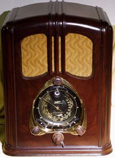 "Below are two recent restorations, the first one is a 12S232 Zenith ""Walton"" radio whose cabinet was apparently rebuilt and re-vaneered by someone near Dallas. Description from radioera.com. I searched for this on bing.com/images"