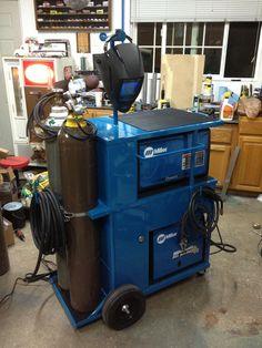 welding table plans or ideas Welding Cart, Welding Jobs, Diy Welding, Welding Table, Mig Welder Cart, Welding Design, Welding Shop, Metal Projects, Welding Projects