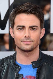 Jonathan Bennett a.k.a Aaron Samuels from Mean Girls and Casey Gant from an episode of Veronica Mars, is quite handsome. Too bad he isn't into us ladies. ;-)