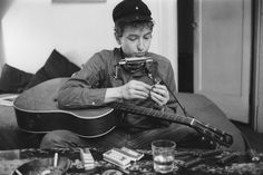 Ted Russell spent time with a young Bob Dylan in New York. As a lifelong jazz fan, he was unimpressed. So were a lot of editors, until the nasally voiced folk singer became a star.