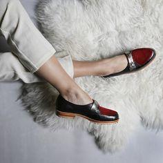 No son divinos? #misvh #shoes #shoeoftheday #victoriahache #blackshoes