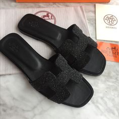 Hermes woman shoes stoned slippers