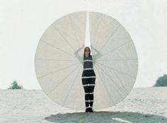 Rebecca Horn. Still from performance of Körperfächer, 1972, from Performances II, 1970-73. Courtesy of the artist and Sean Kelly Gallery, New York. https://uk.pinterest.com/juancarlosconto/rebecca-horn/