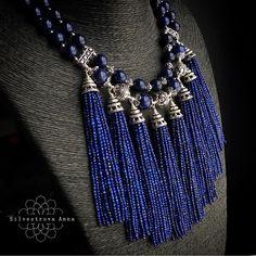 905 вподобань, 54 коментарів – Анна Сильвестрова (@a.silver) в Instagram: «Как люблю я вам показывать свои монументальные работы)). Эту однозначно можно отнести к…» Funky Jewelry, Tassel Jewelry, Fabric Jewelry, Pearl Jewelry, Jewelry Crafts, Beaded Jewelry, Jewelery, Jewelry Necklaces, Blue Necklace