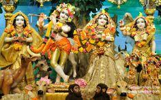 To view Radha Gopinath Lalita Vishakha Wallpaper of ISKCON Chowpatty in difference sizes visit - http://harekrishnawallpapers.com/sri-sri-radha-gopinath-lalita-vishakha-wallpaper-023/