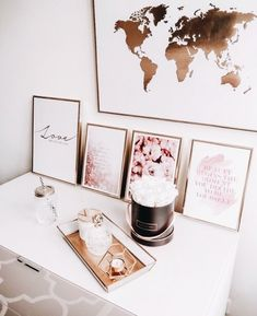 White vanity with rose gold frame, candle, pretty art, white and metallic - Wohnung - Bedroom Decor Rose Gold Room Decor, Rose Gold Rooms, Pink Bedroom Decor, Gold Bedroom, Rose Decor, White Office Decor, Art Blanc, Rose Gold Aesthetic, Rose Gold Frame