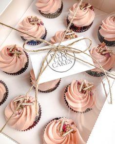 Elegant Cupcakes, Pretty Cupcakes, Fun Cupcakes, Birthday Cupcakes, Cupcake Packaging, Bakery Packaging, Cupcakes Packaging Ideas, Baking Business, Cake Business