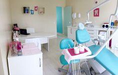 Dental Clinic Logo, Dentist Clinic, Dental Art, Dental Cabinet, Cabinet Medical, Dental Office Decor, Dental Office Design, Clinic Interior Design, Clinic Design
