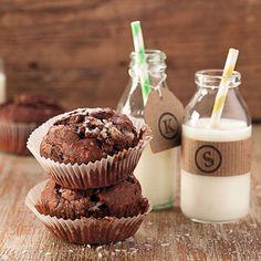 Für Kokos-Fans ist dieser Muffin genau das Richtige. Zudem macht die zartschmelzende Schokolade ihn zum superleckeren Mini-Kuchen.