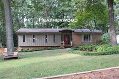 Lots of space for everyone in this 4BD/3BA home with over 2500 s/f in the conveniently located Heatherwood neighborhood.