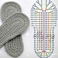 Learn To Crochet Cute Flower Slippers Crochet Sole, Crochet Slipper Pattern, Crochet Baby Sandals, Booties Crochet, Crochet Baby Clothes, Crochet Slippers, Crochet Patterns, Diy Crafts Crochet, Crochet Projects