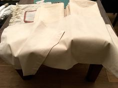 french seams, ladderwork or hem ends. Beautiful antique pure linen cases for the pillows of today French Seam, Pillowcases, Linen Bedding, French Antiques, Pure Products, Pillows, Stuff To Buy, Beautiful, Linen Sheets