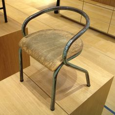Chaise Mullca 300, Édition Tubauto, 1949. Hitier