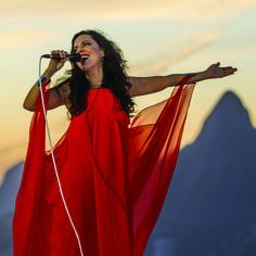 Bebel Gilberto faz show intimista no Rio