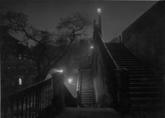 Josef Sudek / Prague pendant la nuit, vers 1950-1959 - ¨Prague at night, around 1950-1959 © Succession de Josef Sudek