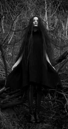 Gothic Fashion / Woman / Black Dress / Dark Photography / Gothique Girl // ♥ More @lDarkWonderland