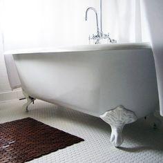 55 inch Cast Iron Clawfoot Tub Rolled Rim, \