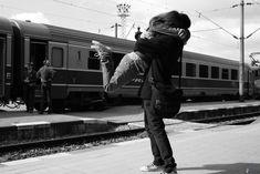 abbraccio all'arrivo