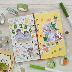 Bullet Journal Notes, Bullet Journal Aesthetic, Bullet Journal Writing, Bullet Journal Ideas Pages, Bullet Journal Inspiration, Cute Journals, Scrapbook Journal, Cute Cartoon Wallpapers, Anime