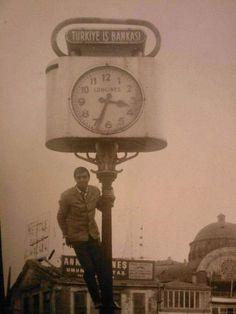 1965'i gösteren saat #Taksim #istanbul  #birzamanlar #istanlook #nostalji