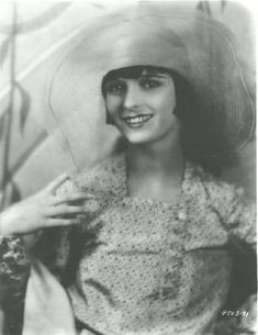 """sydneyflapper: """" Louise Brooks in a lovely capeline. Brooksie will always be the for me - as much for her capriciousness as for her beauty and talent. """" Louise is the definitive icon for me too. Louise Brooks, Vintage Hollywood, Classic Hollywood, In Hollywood, Hollywood Fashion, Hollywood Glamour, Hollywood Actresses, Silent Film Stars, Movie Stars"""