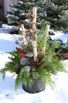Container Gardening Ideas Gorgeous Christmas Urns - Gorgeous Christmas urns for the holidays add a festive elegance to the entryway and say welcome to your holiday guests. Christmas Urns, Outdoor Christmas Decorations, Christmas Centerpieces, Country Christmas, Winter Christmas, Christmas Holidays, Christmas Wreaths, Winter Porch, Thanksgiving Holiday