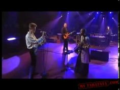 David Bowie / Gail Ann Dorsey - Under pressure (live) by Cpt Flam 18. Gorgeous people, gorgeous song.
