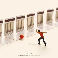 Miniature Art By Tatsuya Tanaka. Tatsuya Tanaka is a Japanese artist and Continue Reading and for more miniatures → View Website Miniature Calendar, Miniature Photography, Tiny World, Creative Artwork, Mini Things, Realism Art, Human Art, People Art, Japanese Artists