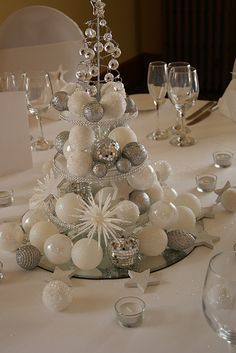cool 46 Stylish Silver and White Christmas Table Centerpieces Ideas Christmas Table Centerpieces, Christmas Table Settings, Christmas Tablescapes, Centerpiece Decorations, Xmas Decorations, Decoration Table, Decoration Christmas, Wedding Centerpieces, Silver Christmas