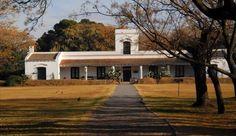 Fundado y construido por el gobierno de la provincia. El nombre original de este instituto era Parque Criollo Ricardo Güiraldes y Museo Gauchesco de la Provincia de Buenos Aires