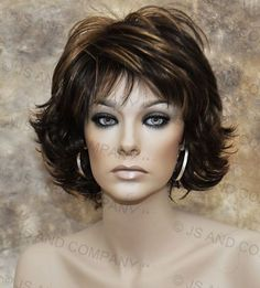 Classy and chic Everyday wig Multiple layers Brown Blonde Mix lo 4 27 Short Hair With Layers, Layered Hair, Short Hair Cuts, Medium Hair Styles, Curly Hair Styles, Short Wigs, Short Shag, Short Pixie, Brown To Blonde