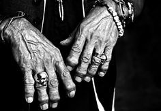 Keith Richards by Mario Sorrenti - The guitarist's hands in 2010 photographed © by Mario Sorrenti -  The original skull ring that has become a rock-and-roll icon was given to Richards by London goldsmiths David Courts and Bill Hackett as a birthday present  in 1978.