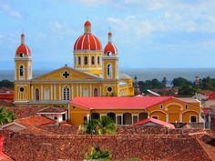 What to do in Nicaragua - from diving to eating to volunteering to volcano-boarding!