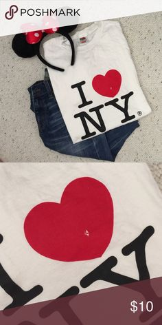 ❤️ NY shirt ❤️ Never worn! Oversized I ♥ NY t-shirt from NYC. You can cut it up and make it cropped or alter the neckline or make it into a tank top! Great for those casual days out with friends or to the theme park. Small flaw on the heart but not bad. Size listed is small but fits anywhere from XS - medium. Tops Tees - Short Sleeve