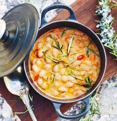 Borlotti bean soup.    Soppa på borlottibönor