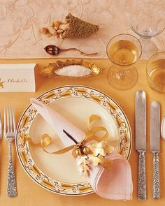 Thanksgiving Table. I especially love the plate, placemat, and napkin/holder with the sparkly gold beverage