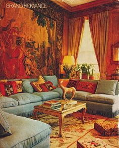 Eye For Design: Decorate With Tapestries And Bring Old World Charm To Your Interiors. Living Room Sofa, Living Room Furniture, Living Spaces, Living Rooms, Home Design Decor, Diy Home Decor, House Design, Les Gobelins, Top Interior Designers