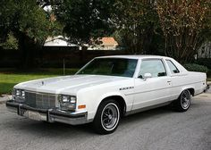 1979 Buick Electra Limited Coupe White - Pristine Classic Cars For Sale American Auto, American Classic Cars, Retro Cars, Vintage Cars, Jeep Cherokee Sport, Buick Cars, Buick Electra, Classic Car Restoration, Us Cars